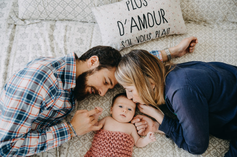 Des photos de nouveau-né à la maison - Nantes - Hélène Charier Photographe